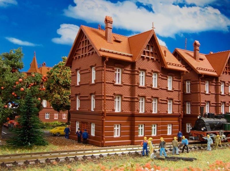 Vollmer Eisenbahner-Wohnhaus mit First (43806)