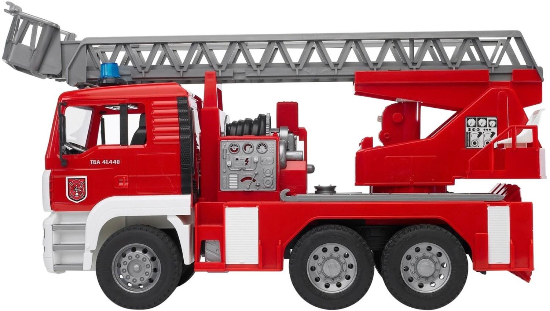 Bruder MAN Feuerwehr mit Drehleiter (02771)
