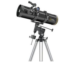 Newton teleskop im beobachtungsturm u sternwarte burgsolms