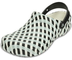 5720b3b6a Buy Crocs Bistro Gingham white black from £23.46 – Best Deals on ...