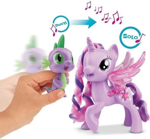 Hasbro Spike der Drache Singendes Duo (C0718)