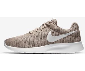 Nike Tanjun Women sand/white ab 111,11 € | Preisvergleich bei idealo.de