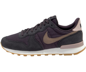 e01396e63dd Nike Internationalist Women Wmns oil grey summit white gum light brown mink  brown