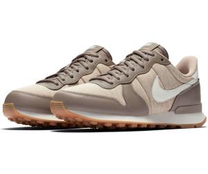 new product d487a 9321f Nike Internationalist Wmns