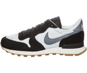 Nike Wmns Internationalist (Summit White Black Gum