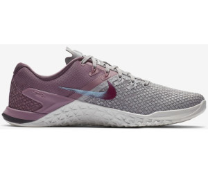 new styles 3992d 10310 ... atmosphere grey plum dust summit white true berry. Nike Metcon 4 XD