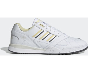 factory authentic 3ad26 4281b Adidas A.R. Trainer. 68,74 € – 119,87 €